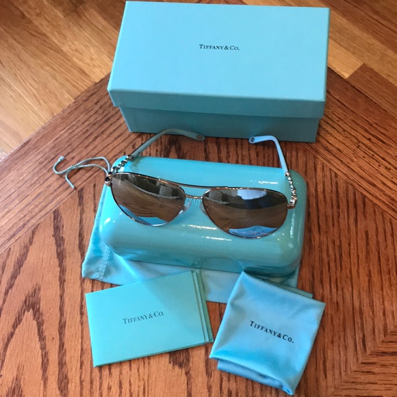 9d650133772 Tiffany and co. Aviator Sunglasses Brand new